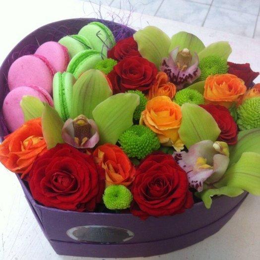 Сердечко с орхидеей: букеты цветов на заказ Flowwow