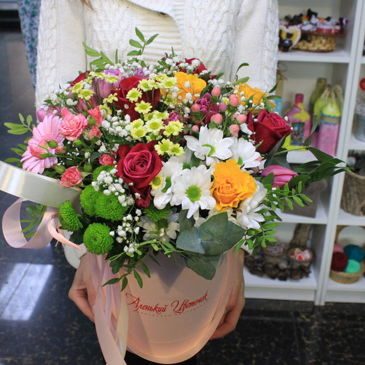Premium-букет в шляпной коробке: букеты цветов на заказ Flowwow