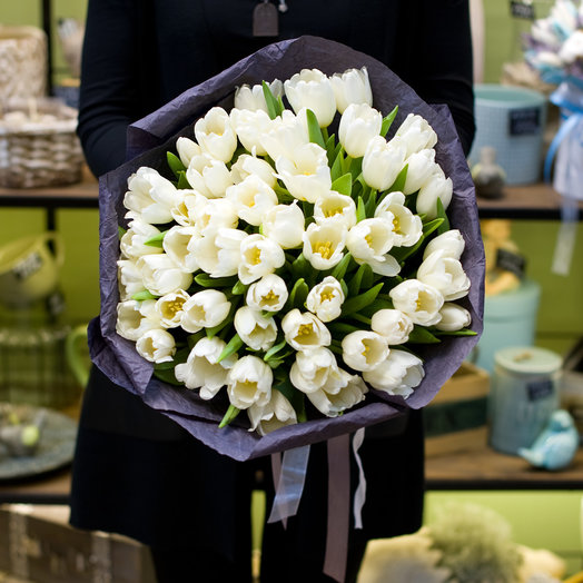 "Букет из тюльпанов ""Wight"": букеты цветов на заказ Flowwow"