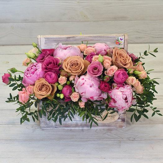 Деревянный ящик Бейлис: букеты цветов на заказ Flowwow