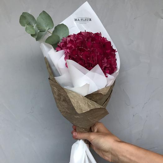 Букет из гортензии Руби Ред: букеты цветов на заказ Flowwow