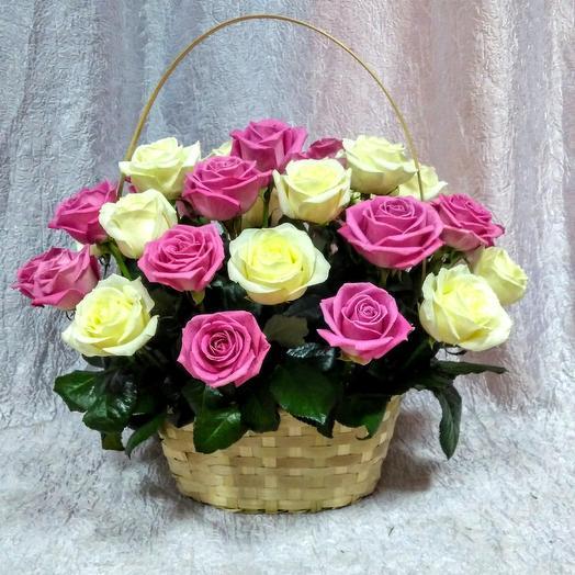 Роза в корзинке