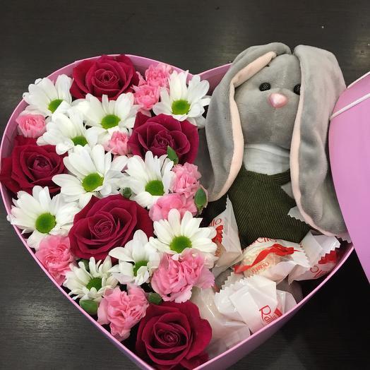 Сердце с цветами и зайчиком: букеты цветов на заказ Flowwow