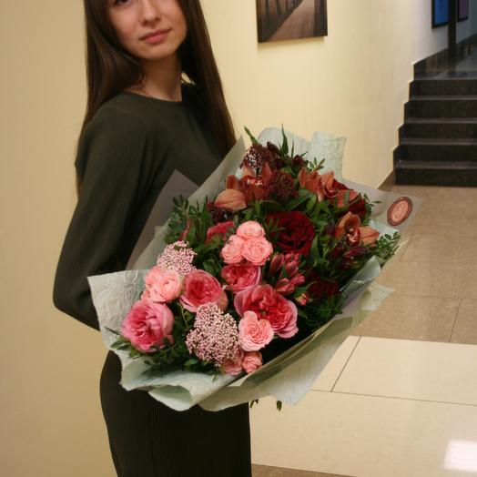 Букет из пионовидных роз, с кофейной орхидеей: букеты цветов на заказ Flowwow