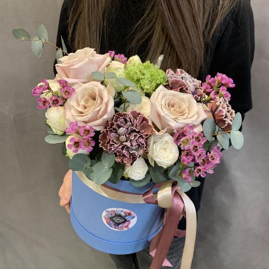 Шляпная коробочка «Космос»: букеты цветов на заказ Flowwow