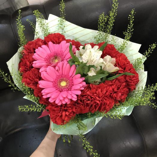 Красное сердце из Цветов: букеты цветов на заказ Flowwow