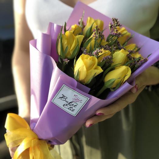 Желтые розочки Солнечные: букеты цветов на заказ Flowwow