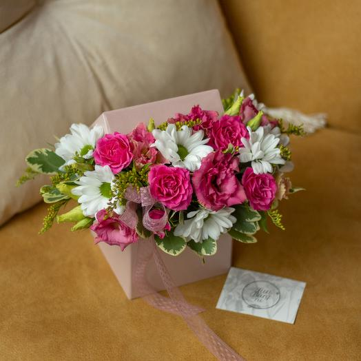 Композиция в коробке «Серенада»: букеты цветов на заказ Flowwow