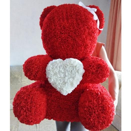 Огромный мишка из роз: букеты цветов на заказ Flowwow