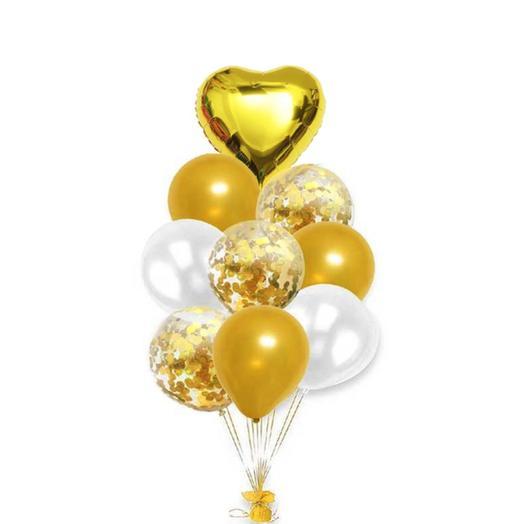 Композиция из шаров с золотым сердцем