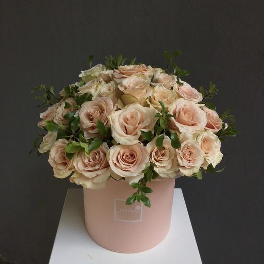 49 кофейных роз в коробке
