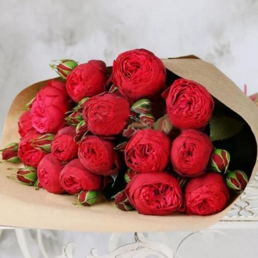 Букет из 19 пионовидных кустовых роз