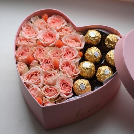 Набор Сердце с цветами и конфетами ️