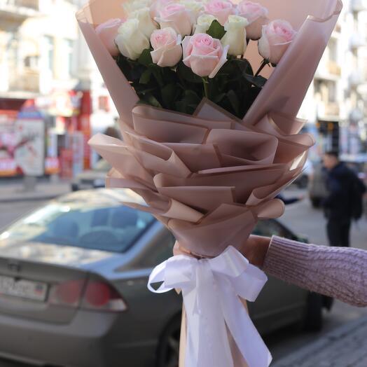 Букет з 19 троянд 80 см