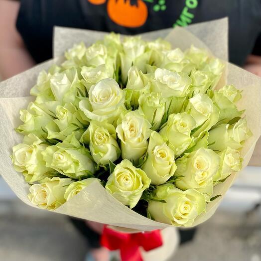Букет из 35 белых роз Кения