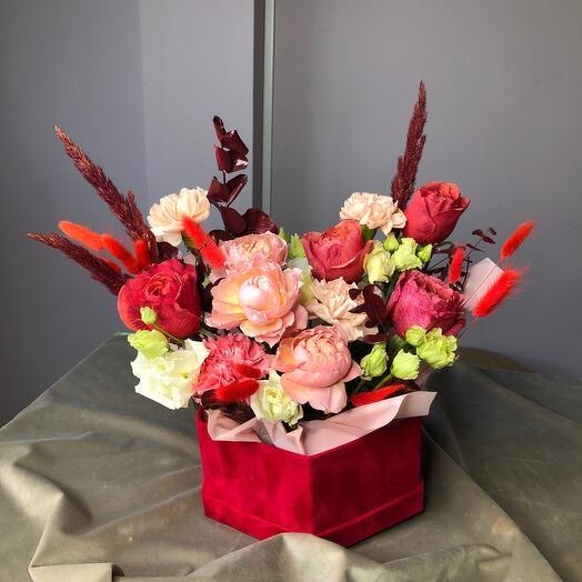 Цветы в бархатной коробка