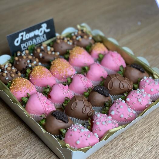 Клубничный box «вкусная ягодка»