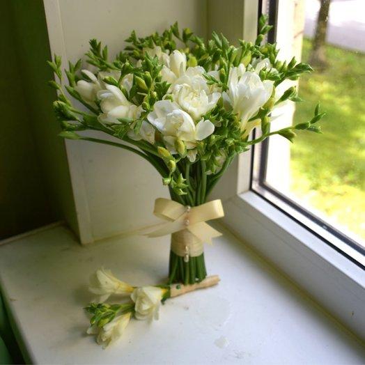 Букет невесты из белой фрезии: букеты цветов на заказ Flowwow