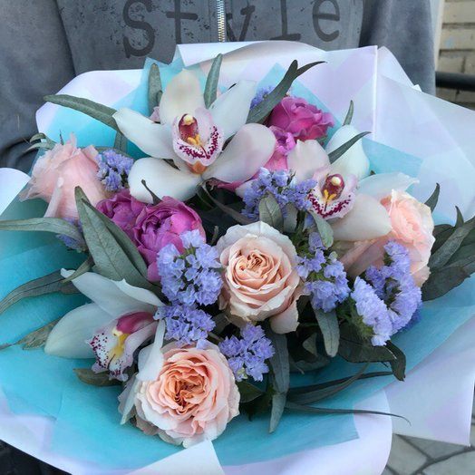 Букет со статицей и розами Мисти Бабблз