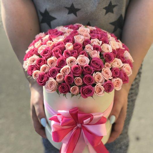 Коробки с цветами. Кустовые розы. N134: букеты цветов на заказ Flowwow
