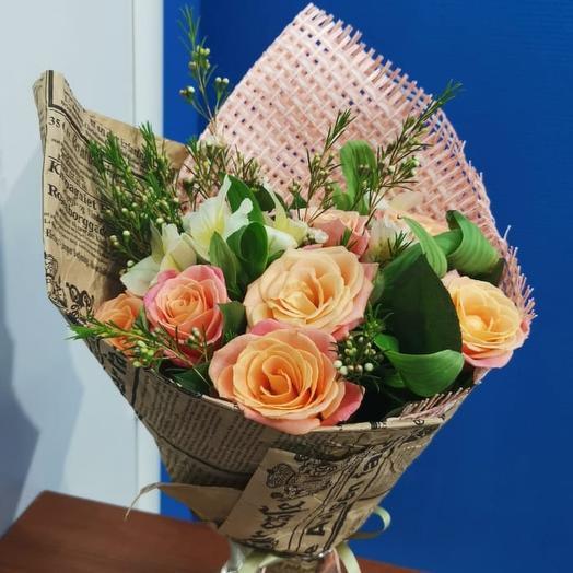 Букет роз Мисс Пигги в хамелациуме: букеты цветов на заказ Flowwow