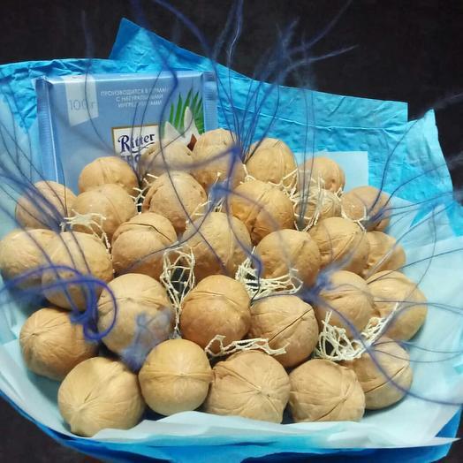Букет из орехов с шоколадом и стифой: букеты цветов на заказ Flowwow