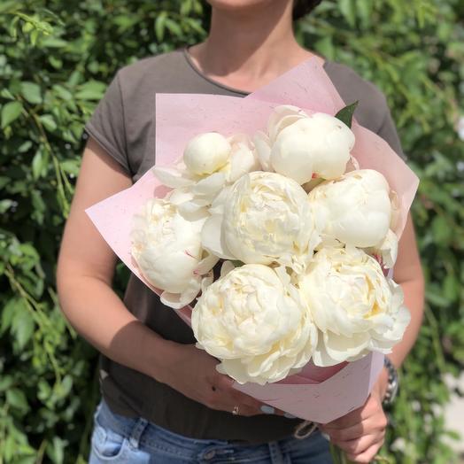 Букет из 9 белых пионов: букеты цветов на заказ Flowwow