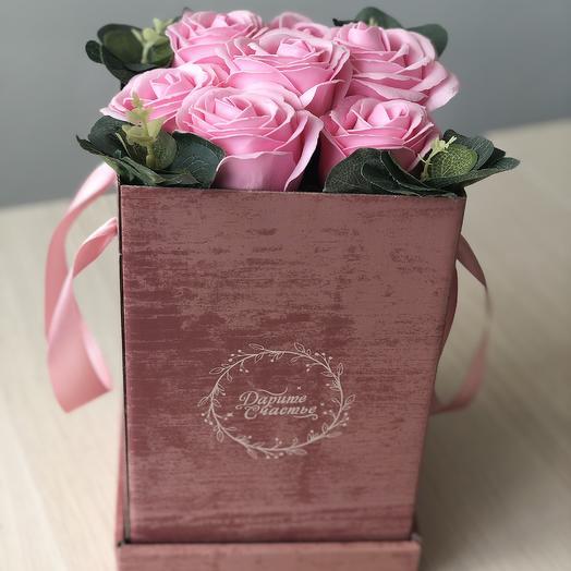 Композиция из мыльных роз премиум в коробке: букеты цветов на заказ Flowwow