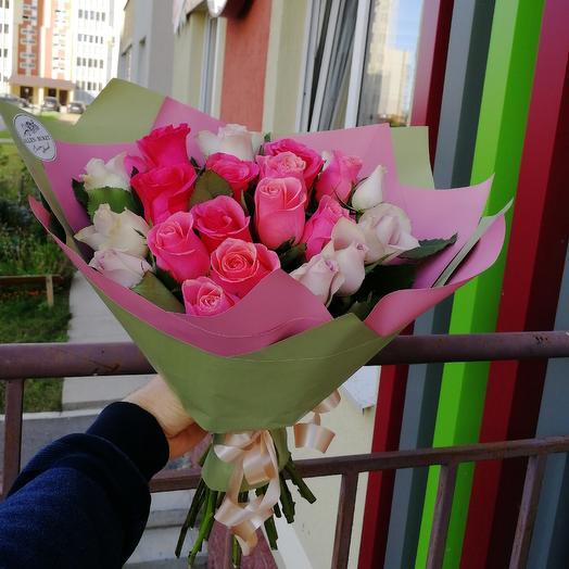25 роз в матовой упаковке: букеты цветов на заказ Flowwow
