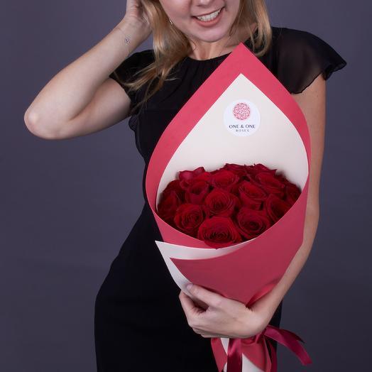 19 красных роз 50 см