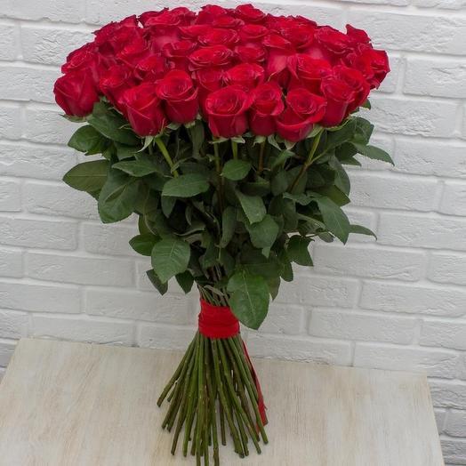 25 эквадорских бордовых роз Фридом