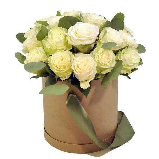 15 роз в коробочке