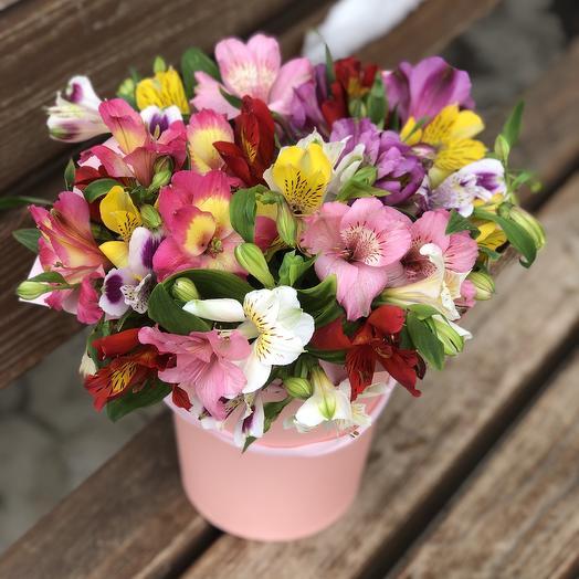 Яркий акцент: букеты цветов на заказ Flowwow