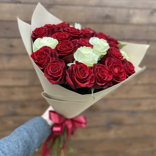 Букет «25 роз в фоамиране»