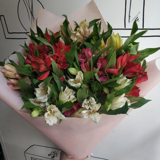 Яркие альстромерии: букеты цветов на заказ Flowwow