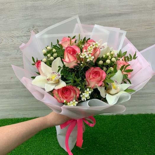 Микс из роз и орхидей: букеты цветов на заказ Flowwow