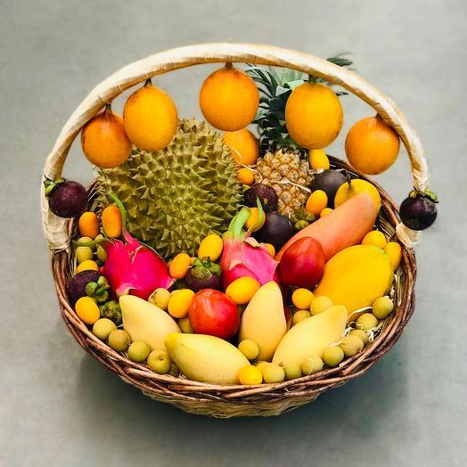 Корзина экзотических фруктов экзотическая фантазия