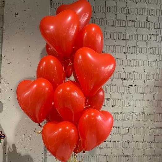 Фонтан из красных сердец