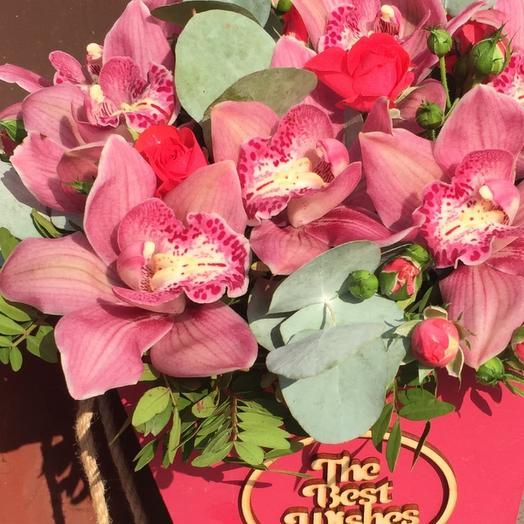 Ящик с орхидеями