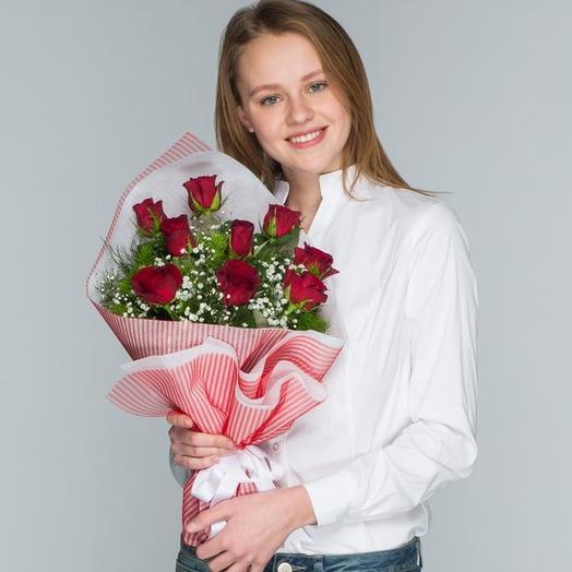 9 красных роз в упаковке