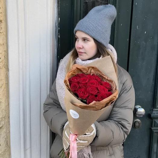 Моно букет из красных роз