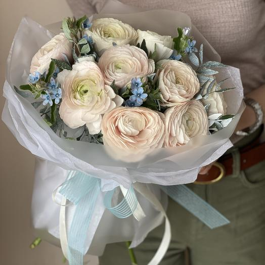 Sorrento bouquet of ranunculus and oxypetalum