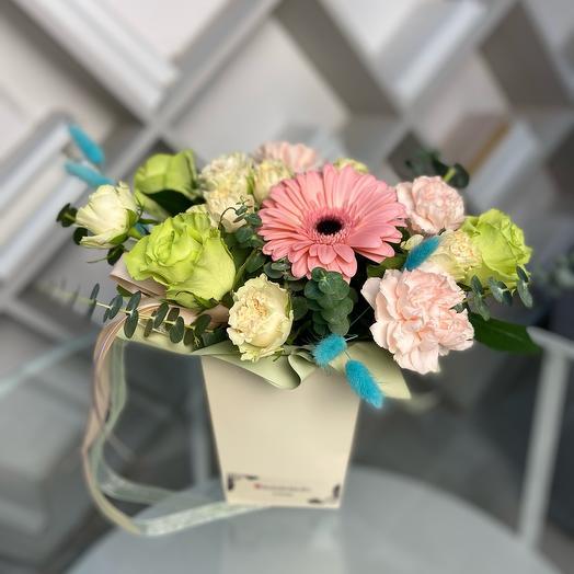 Цветы в коробке Карамель Лайм