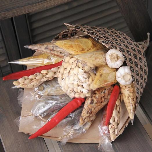 букет из орехов и сухариков