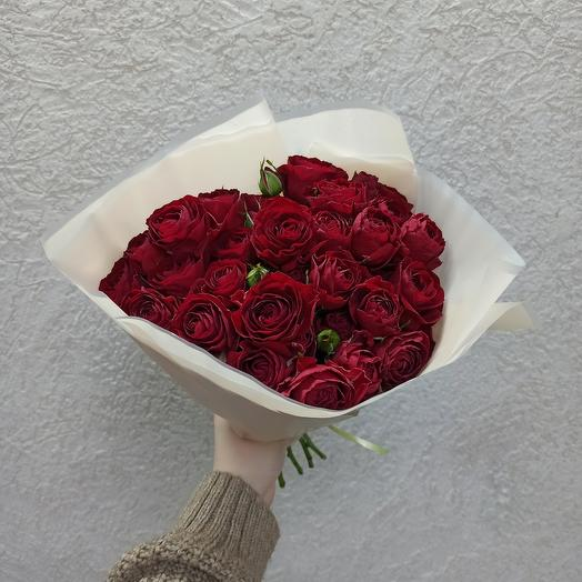 Букет бордовых кустовых роз