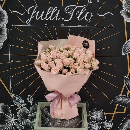 Монобукет из пионовидной розы сорта Бомбастик