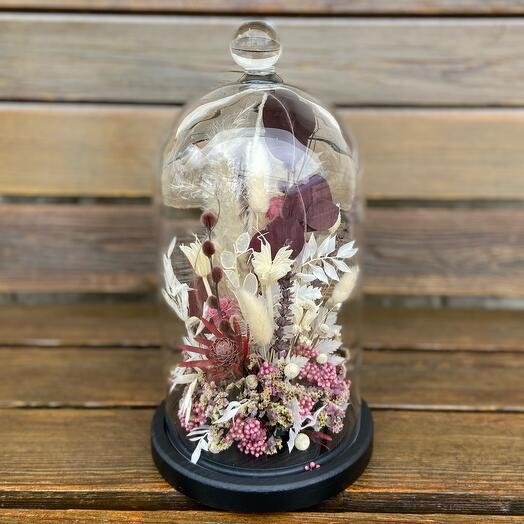 Dried flowers in cloche