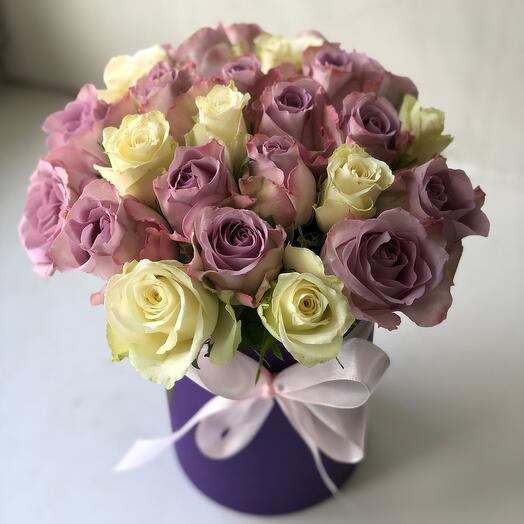Букет из 25 роз в шляпной коробке