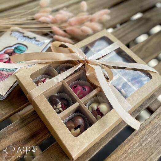 Подарочный набор шоколадных конфет 12 штук