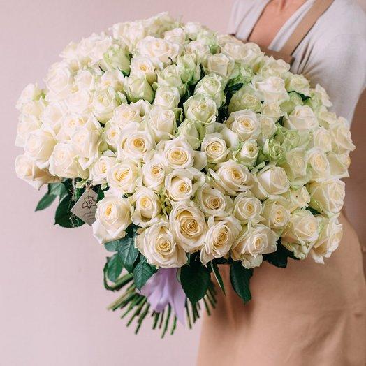 Букет из 101 белой местной розы 80 см: букеты цветов на заказ Flowwow